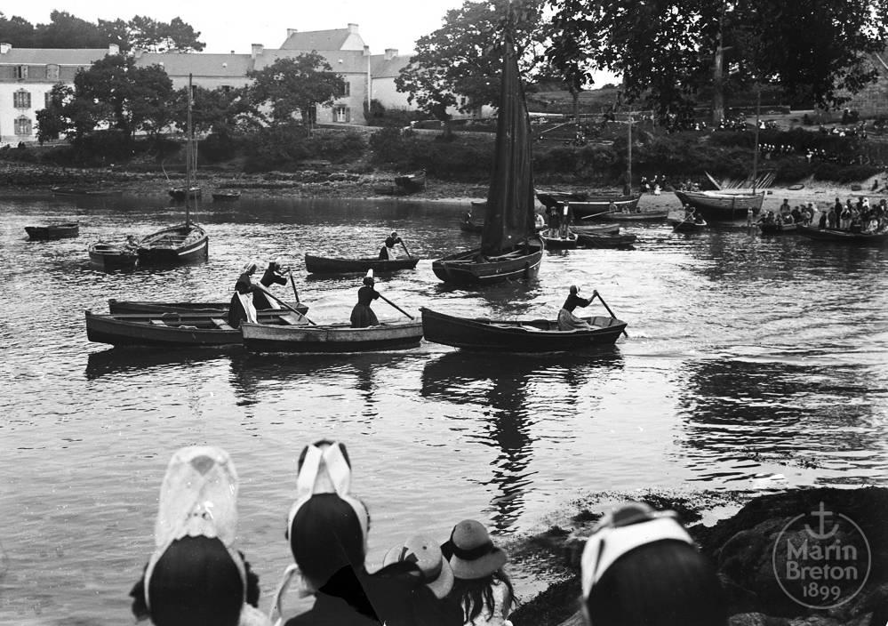 Course de jeunes filles à la godille, en plates, devant l'Abri du Marin (1922/08/10)